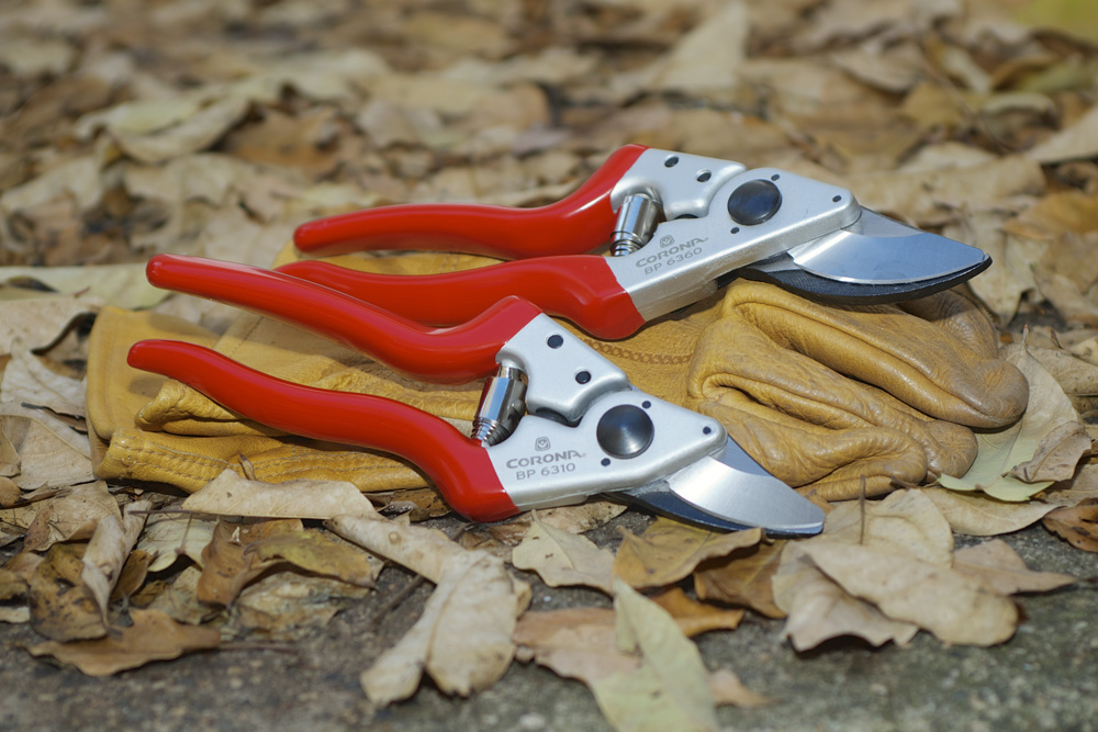 Corona Forged Aluminum Bypass Pruners